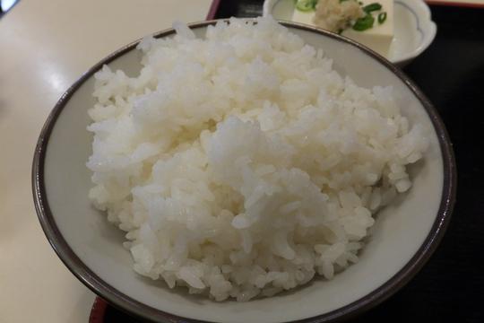 吹田・江坂 「虎さん」 昭和の食堂での肉じゃがが旨い!