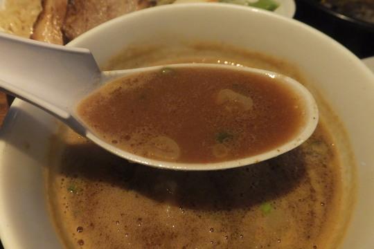心斎橋 「まんねん」 カレーつけ麺と名物オムチャーハンが旨い!