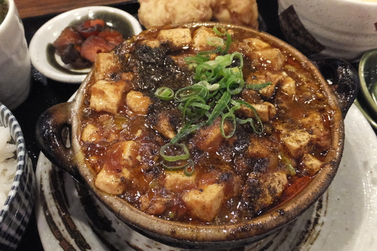 豊中・緑地公園 「華や」 上品でレベル高い特製土鍋麻婆豆腐!