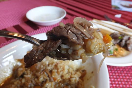 なんば 「チャコール」 ステーキ店のカレー&焼肉ランチ!