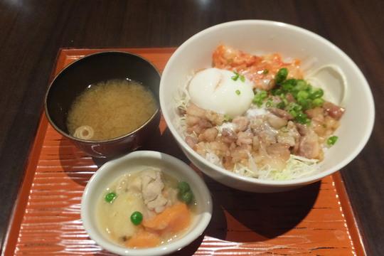 心斎橋・アメリカ村 「らい也」 もつ鍋専門店で頂くスタミナホルモン丼!