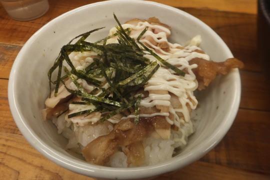 西中島 「ゆうすけ」 ボリューミーな肉とじうどんと鶏マヨ丼!