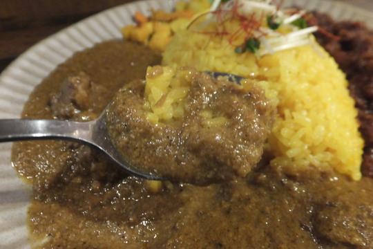 本町・立売堀 「スパイス食堂 ニッキ」 辛さがキリッと美味しいチキンマサラが旨い!