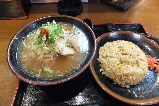 新大阪 「六文銭」 昔ながらのシンプルな味わいの醤油ラーメン!