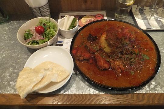 北堀江 「ワルン」 旨味が凝縮!チキンとマトンキーマのツキノワカレー!