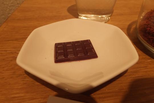 梅田 「チョコレート研究所」 カカオにこだわったチョコレート専門カフェ!