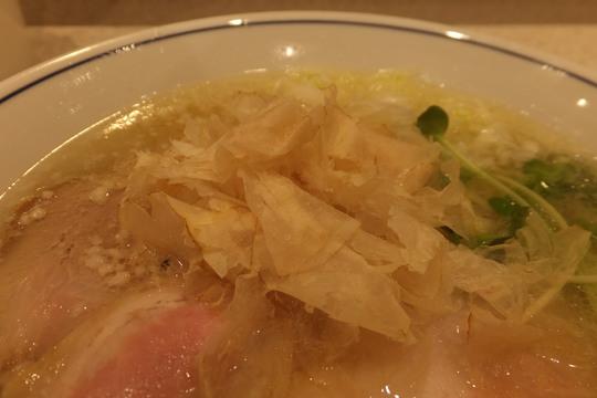 吹田・江坂 「らーめん鱗(うろこ)」 大阪トップクラスの塩ラーメン!