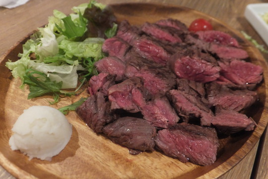 茨木 「GABUTTO (ガブット)」 肉がリーズナブルに頂ける肉バルがオーブンしました!