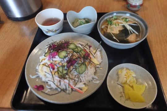 吹田・江坂 「よし多゛」 ひな祭りの日の日替わりはちらし寿司!