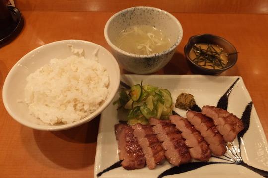 梅田・阪急32番街 「仙台 辺見」 ジューシーな極上牛たん焼きがメチャクチャ旨い!