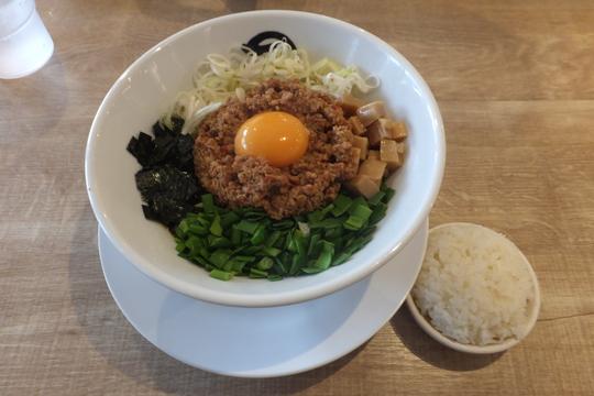 新大阪 「麺や マルショウ」 ジャンキーで大好きな台湾カレーまぜそば!