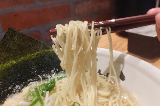 中津・豊崎 「まんかい」 珍しくて旨い豚清湯の淡麗豚そば!