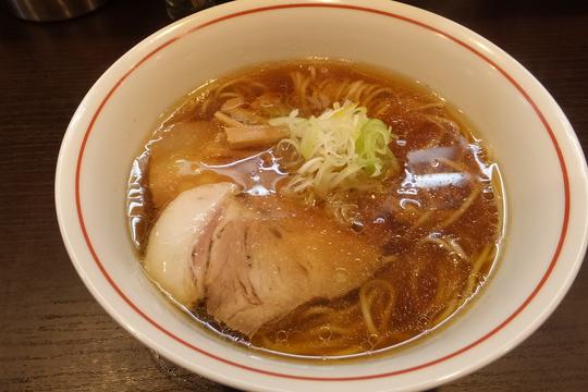 南森町 「らーめん颯人(はやと)」 鶏と豚と魚介がパランスよくプレンドされたしょうゆらーめんが旨い!