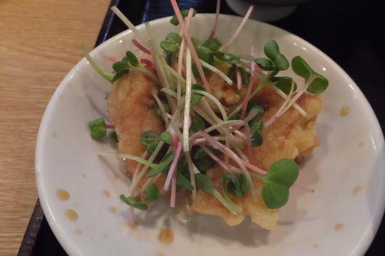 吹田・江坂 「八番館」 海鮮カレーちゃんぽんセットがボリューミーでお腹いっぱい!