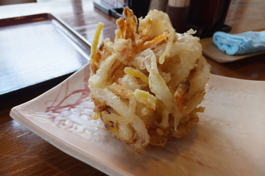 吹田・江坂 「穂の川製麺」 モチモチ麺の釜玉と海老入りかき揚げ!