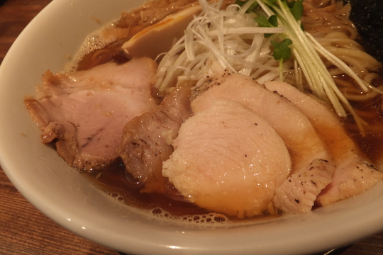 西中島 「えびす丸」 えびす丸醤油ラーメンが味わい深くメッチャ旨い!