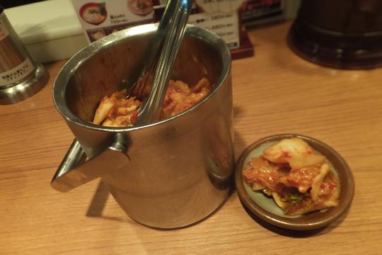 神戸・三宮 「ラーメンたろう」 旨味いっぱいのライト豚骨が旨い!