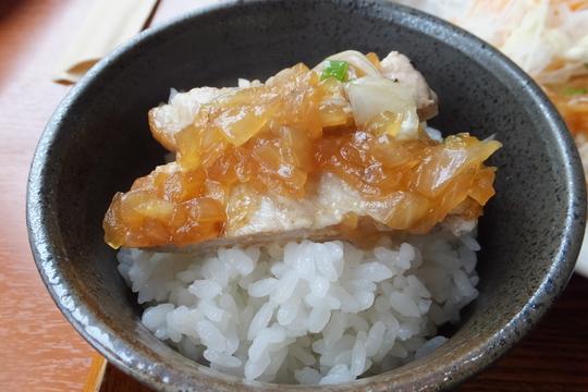 吹田・江坂 「奏(kanade)」 玉ねぎを炒めたソースの豚ロースステーキの和風ソース!
