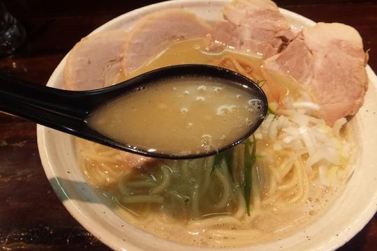 神崎川・三津屋 「桐麺」 JETから受け継いだ鶏煮込みの鶏麺しょうゆ!