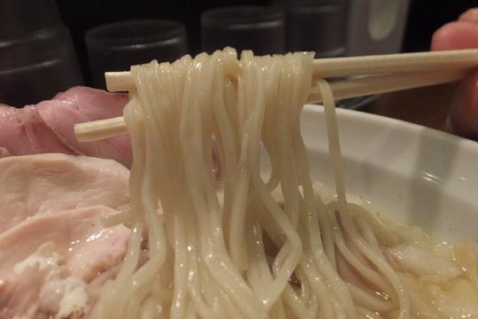十三 「麺のようじ 海(SEA)」 旨味たっぷりの鯛出汁効いた特製塩ラーメン!
