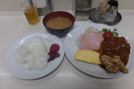 四ツ橋・北堀江 「ニューほり江」 ハンバーグが美味しいお値打ちなサービスランチ!