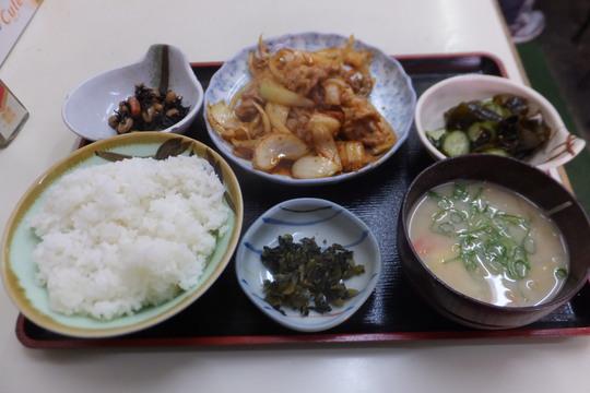 豊中・蛍池 「ます」 豚肉のキムチ炒め定食が旨い!
