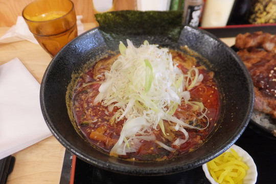 吹田・江坂 「ドンブリアサダ(DONBURI ASADA)」 カツ丼とユッケジャンラーメンのセットでお腹いっぱい!