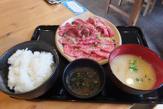池田・石橋 「薩摩の牛太」 ロース&ハラミ定食が気軽に食べれます!