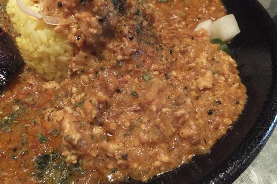 北堀江 「ワルン」 和出汁が効いたマトン&キチンキーマのスパイスカレー!