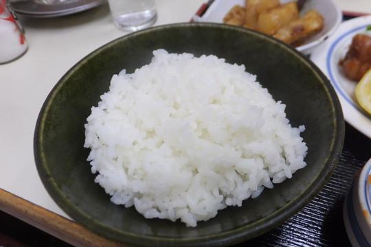 豊中・蛍池 「中華料理 ます」 ボリュームタップリの鶏の唐揚げ定食!