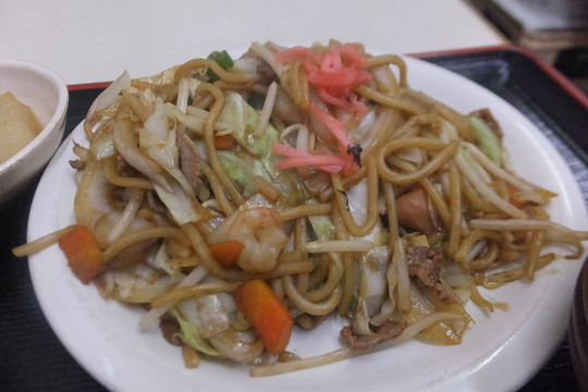 豊中・蛍池 「中華料理 ます」 ボリューム満点の焼きそば定食!