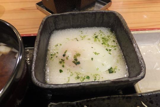 日本橋 「牛カツのタケル」 牛カツ定食がお値打ちに頂けます!