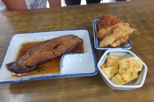 池田・井口堂 「味の店 だるま」 ボリューム満点でお値打ちの大衆食堂!