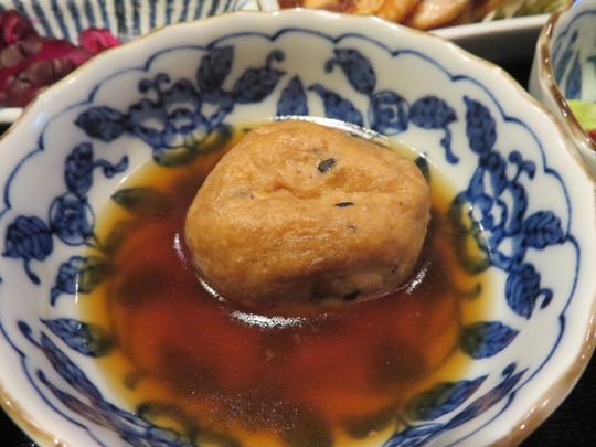 心斎橋 「郷の舎(さとのいえ)大山」 ボリューム満点お値打ちランチの豚しょうが焼き定食!