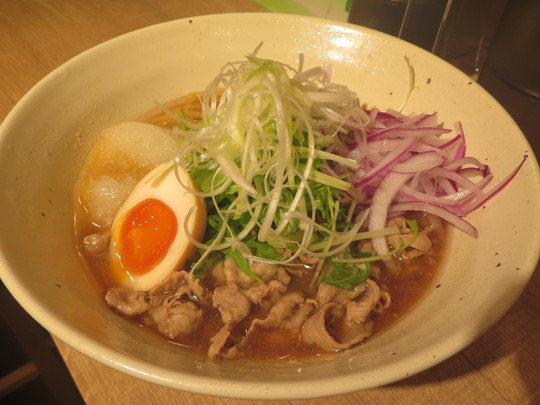 吹田・豊津 「肉そば はっち」 鶏、豚、魚介の優しいトリプルスープに柚子おろしが合います!