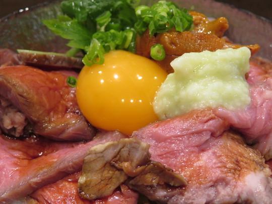 北・中津 「雲丹鍋 うに吉」 雲丹とローストビーフが楽しめる豪華な丼!