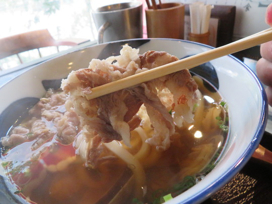 北堀江 「たこ焼とおでん 石橋」 アサリの出汁が効いたあさり肉うどんとしらす飯のセット!