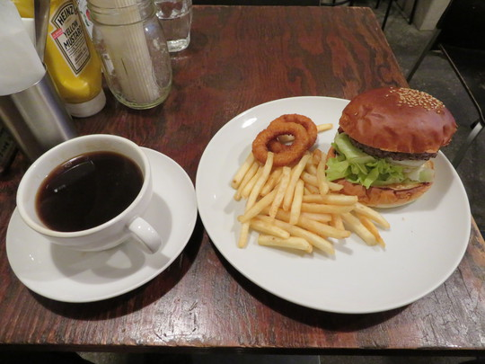 なんば・南堀江 「ハンバーガー・モンスター」 BBQソースがマッチしたベーコンハンバーガー!