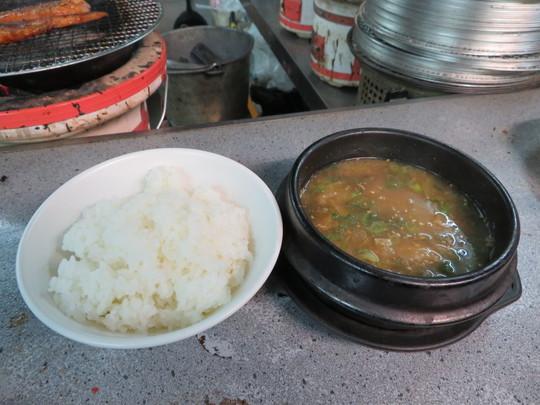 西成・鶴見橋商店街 「萩之茶屋鶴一 なにわ筋店」 元気をチャージしてきました!