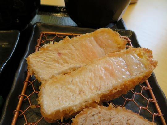 旭・千林 「とんかつ中村」 絶品の鹿児島黒豚ロース・ヒレ食べ比べ!