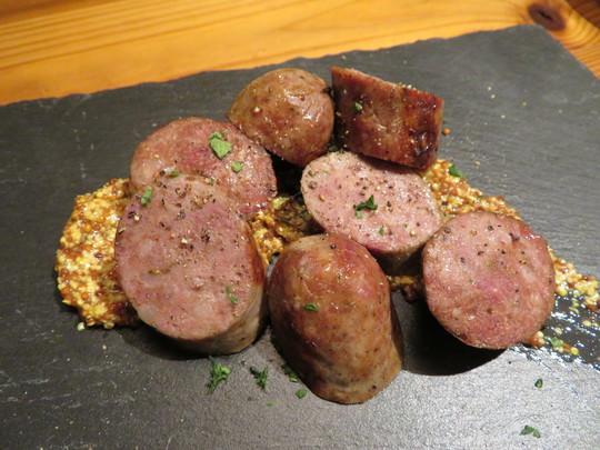 西中島 「グリルモトカラ」 肉バルで上質の岡山備前黒牛がリーズナブルに頂けます!