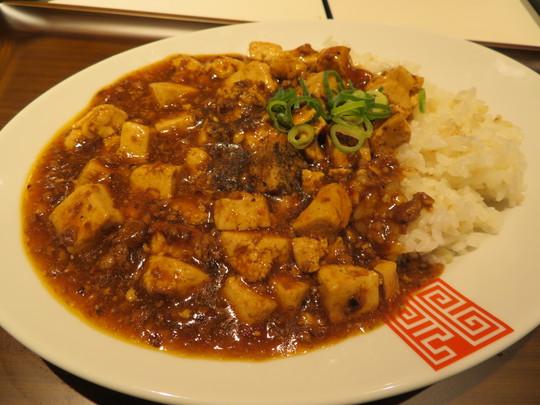 梅田・三番街 「UMEDA FOOD HALL(梅田フードホール)」 気軽に楽しめるエキ地下フードホールが誕生!