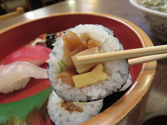 なんば 「鳴門寿司」 寿司屋で頂く中華そばと寿司セット!