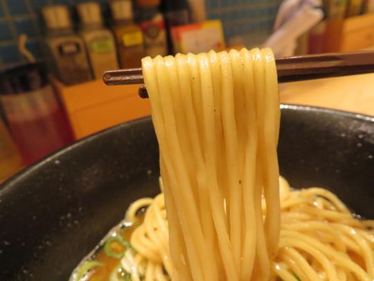 吹田・関大前 「笑顔ノキラメキ」 鯖の風味が凄いサバ白湯らーめん!