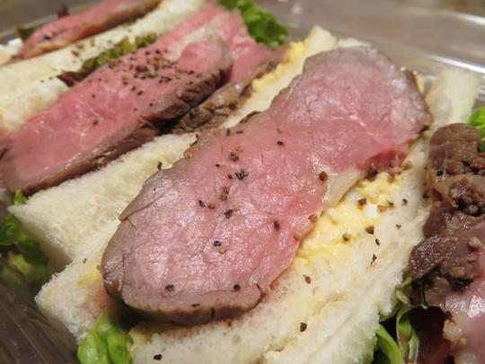 城東・鴫野 「旬のフルーツ ハリマ」 色々な種類のサンドイッチが390円均一で品揃えしている何かと話題のお店!
