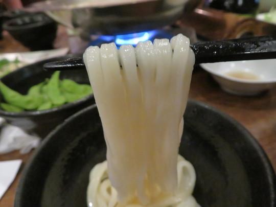 梅田・神山町 「讃岐うどん 今雪」 旨味たっぷりの出汁が効いた特製今雪鍋!
