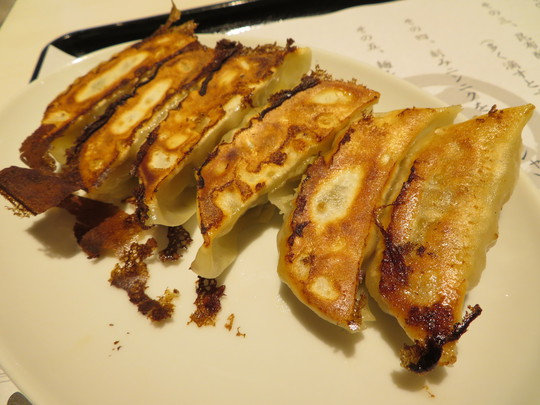 梅田・UMEDA FOOD HALL 「麺や マルショウ」 23時まで食事が出来るフードホールで台湾カレーまぜそば!