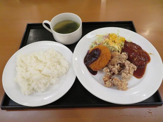 淀屋橋 「肉バル ZUN」 ご飯・カレー・スープが食べ放題のランチがお得な肉バル!