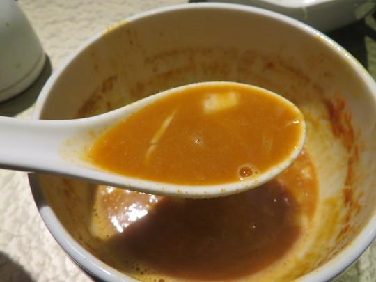 心斎橋・南船場 「鶏soba座銀 にぼし店」 期間限定の鬼にぼしつけsobaが濃厚で深い味わいです!