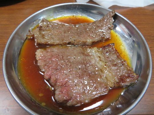 神戸・西元町 「肉のオカダ」 和牛専門の精肉店のお肉をそのまま焼肉で頂けます!